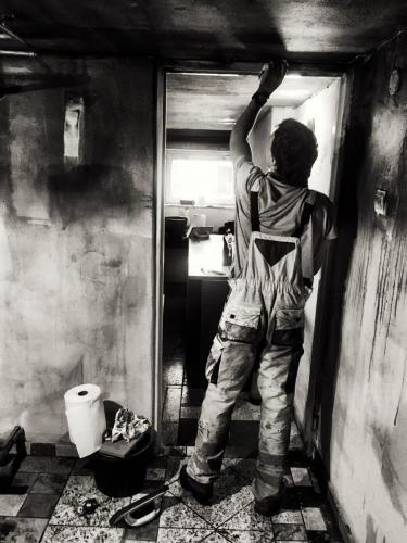 Sprzątanie po pożarze kotłowni